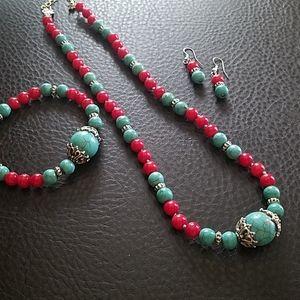 Jewelry - Glass bead necklace, bracelet, earring set